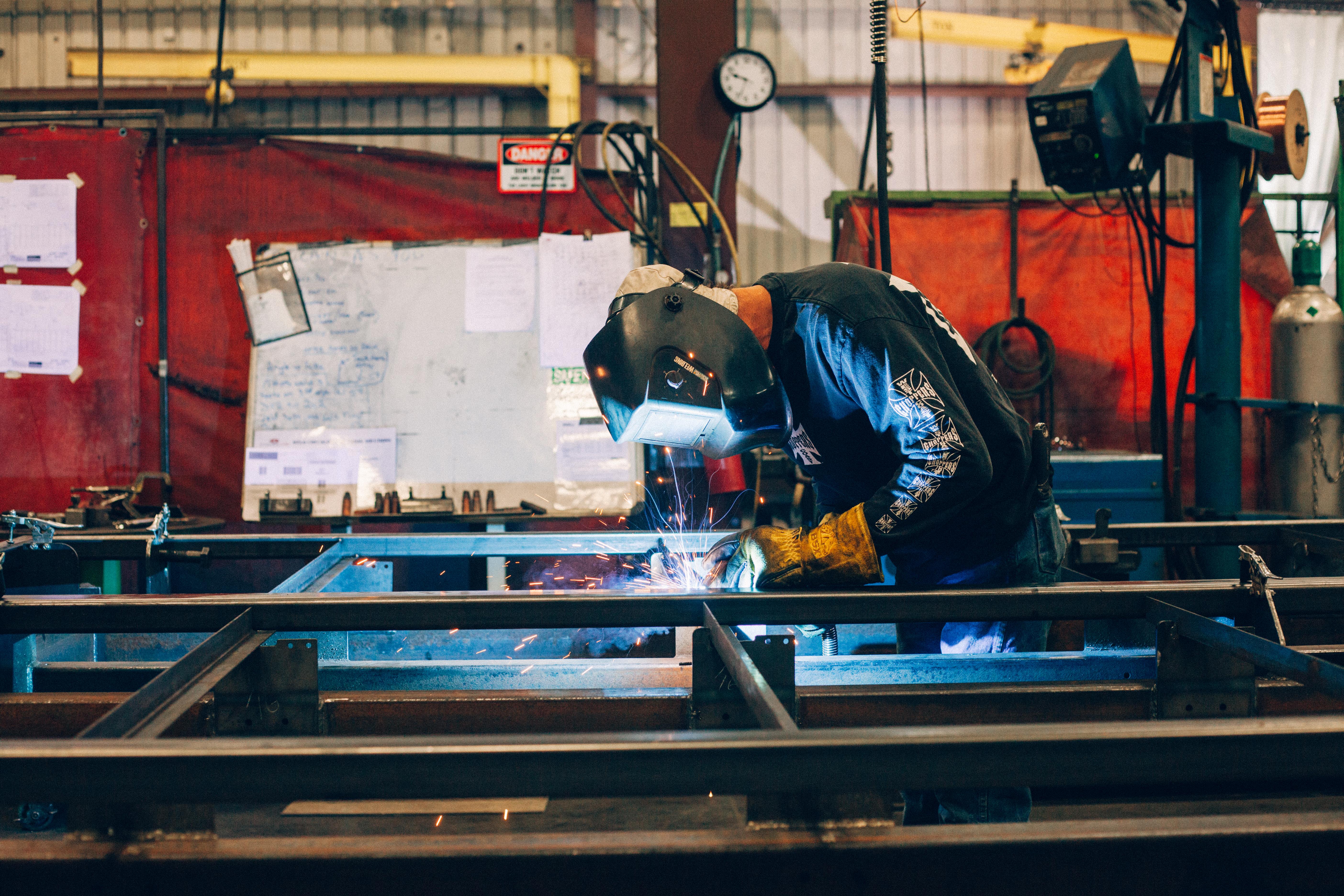 Sound wall welding in fixture